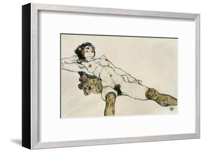 Reclining Female Nude with Legs Spread, 1914-Egon Schiele-Framed Giclee Print