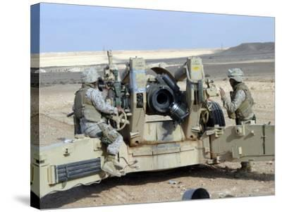 US Marines Prepare to Fire a Howitzer Near Baghdad, Iraq, January 6, 2007-Stocktrek Images-Stretched Canvas Print
