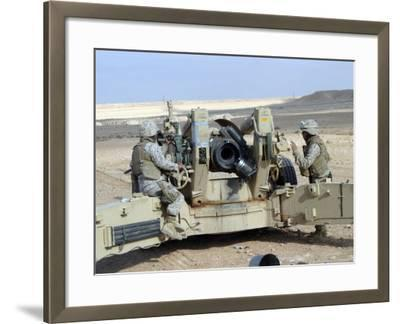 US Marines Prepare to Fire a Howitzer Near Baghdad, Iraq, January 6, 2007-Stocktrek Images-Framed Photographic Print