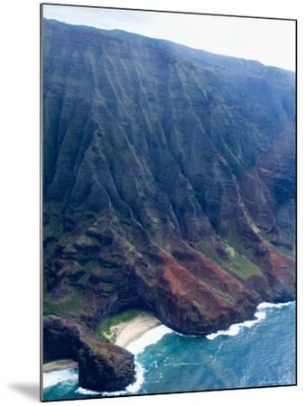 Na Pali, North Coast of the Island of Kauai, Hawaii, USA-Ethel Davies-Mounted Photographic Print
