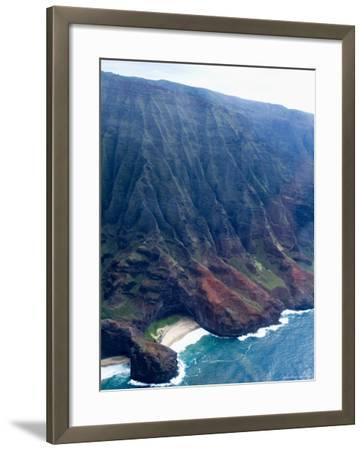 Na Pali, North Coast of the Island of Kauai, Hawaii, USA-Ethel Davies-Framed Photographic Print