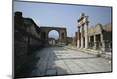 Corner of Forum and Arch of Tiberius, Pompeii, UNESCO World Heritage Site, Campania, Italy-Walter Rawlings-Mounted Photographic Print