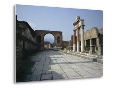 Corner of Forum and Arch of Tiberius, Pompeii, UNESCO World Heritage Site, Campania, Italy-Walter Rawlings-Metal Print