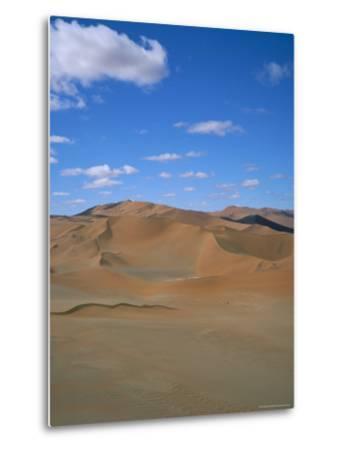 Sossusvlei Sand Dunes, Namib Naukluft Park, Namibia, Africa-Geoff Renner-Metal Print