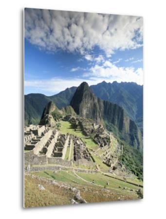Inca Ruins in Morning Light, Machu Picchu, Unesco World Heritage Site, Urubamba Province, Peru-Gavin Hellier-Metal Print