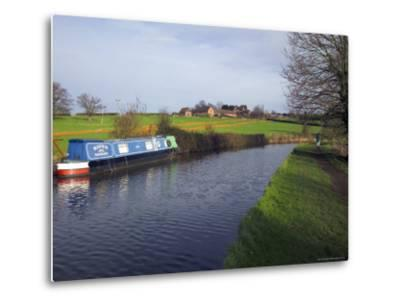 Narrow Boat on the Worcester and Birmingham Canal, Tardebigge Locks, Worcestershire, England-David Hughes-Metal Print