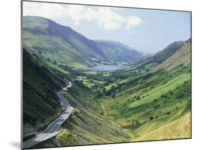 Tal-Y-Llyn Valley and Pass, Snowdonia National Park, Gwynedd, Wales, United Kingdom-Duncan Maxwell-Mounted Photographic Print