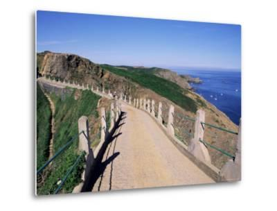 La Coupee and Dixcart Bay, Sark, Channel Islands, United Kingdom-J Lightfoot-Metal Print