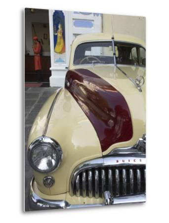 Old Buick Car in Front of Entrance to the City Palace Hotel, Old City, Udaipur, India-Eitan Simanor-Metal Print