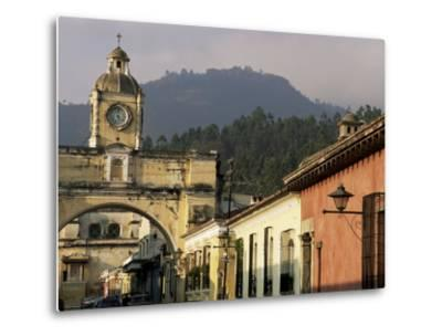 Arch of Santa Catalina, Dating from 1609, Antigua, Unesco World Heritage Site, Guatemala-Upperhall-Metal Print