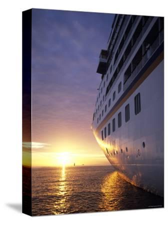 Cruise Ship at Sunset, Reykjavik, Reykjavik, Iceland-Holger Leue-Stretched Canvas Print