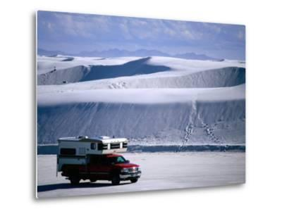 Campervan Near Dunes, White Sands National Monument, New Mexico-Mark Newman-Metal Print
