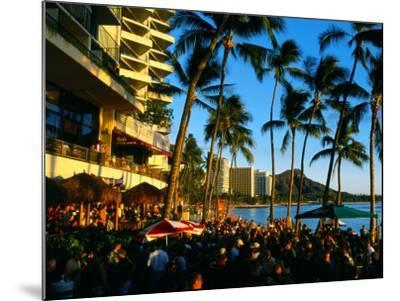 Pub at Waikiki Beach, Oahu, Hawaii-Holger Leue-Mounted Photographic Print