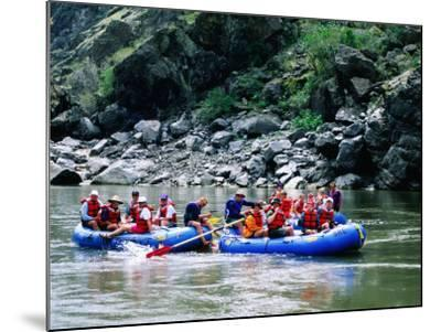 People on Rafting Trip, Snake River, Hells Canyon, Idaho-Holger Leue-Mounted Photographic Print