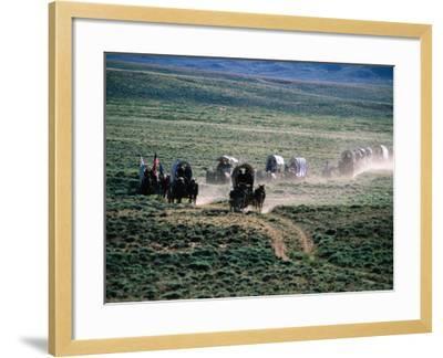 Dusty Horse Carriage Trek, Mormon Pioneer Wagon Train to Utah, Near South Pass, Wyoming-Holger Leue-Framed Photographic Print