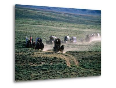Dusty Horse Carriage Trek, Mormon Pioneer Wagon Train to Utah, Near South Pass, Wyoming-Holger Leue-Metal Print