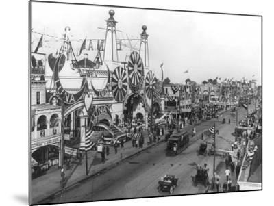 Luna Park and Surf Avenue-Irving Underhill-Mounted Photo