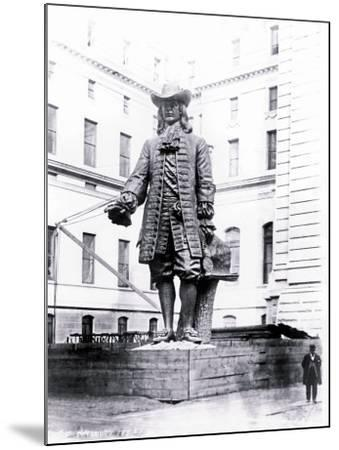 Statue of William Penn in Courtyard of City Hall, Philadelphia, Pennsylvania--Mounted Photo