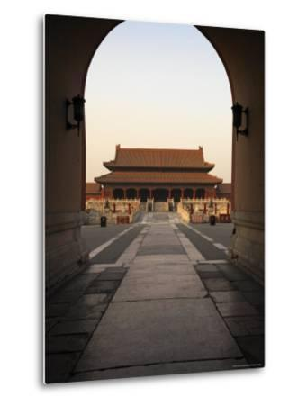 A Doorway to the Hall of Supreme Harmony in the Forbidden City-xPacifica-Metal Print