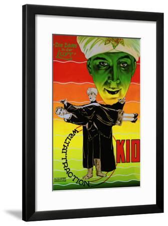Die Dame in Der Luft: Weltattraction Kio--Framed Art Print