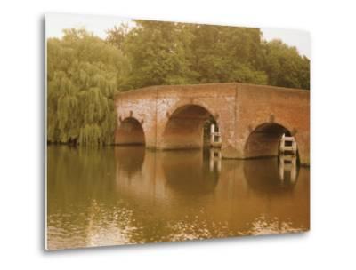 The 18th Century Sonning Bridge Over the River Thames Near Reading, Berkshire, England, UK-David Hughes-Metal Print