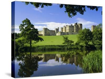 Alnwick Castle, Alnwick, Northumberland, England, UK-Roy Rainford-Stretched Canvas Print