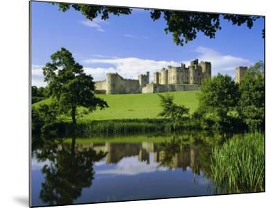 Alnwick Castle, Alnwick, Northumberland, England, UK-Roy Rainford-Mounted Photographic Print