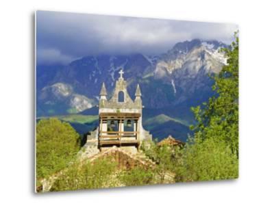 Picos De Europa, Cantabria, Spain, Europe-Graham Lawrence-Metal Print