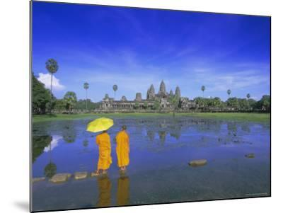 Buddhist Monks Standing in Front of Angkor Wat, Siem Reap, Cambodia-Gavin Hellier-Mounted Photographic Print