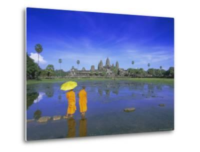 Buddhist Monks Standing in Front of Angkor Wat, Siem Reap, Cambodia-Gavin Hellier-Metal Print