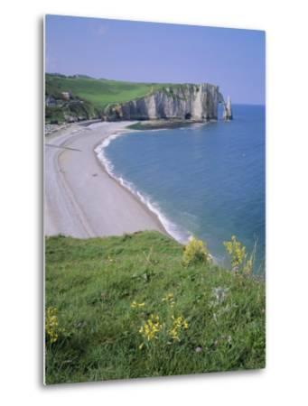 Bay and Cliffs, Etretat, Cote d'Albatre (Alabaster Coast), Haute Normandie (Normandy), France-Roy Rainford-Metal Print
