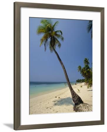 West Bay, Roatan, Largest of the Bay Islands, Honduras, Caribbean, Central America-Robert Francis-Framed Photographic Print