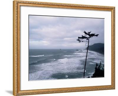 Waves Crashing into Rocks on the Pacific Coast, Oregon, United States of America, North America-Aaron McCoy-Framed Photographic Print