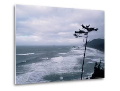 Waves Crashing into Rocks on the Pacific Coast, Oregon, United States of America, North America-Aaron McCoy-Metal Print