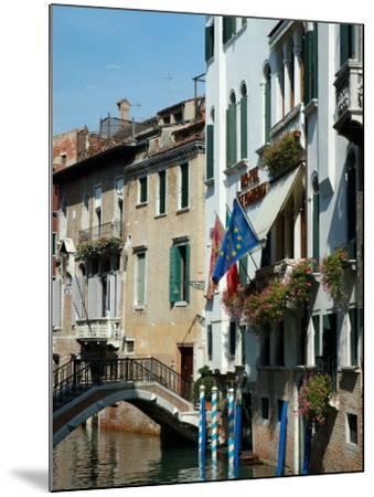 Bridge over Canal, Venice, Italy-Lisa S^ Engelbrecht-Mounted Photographic Print