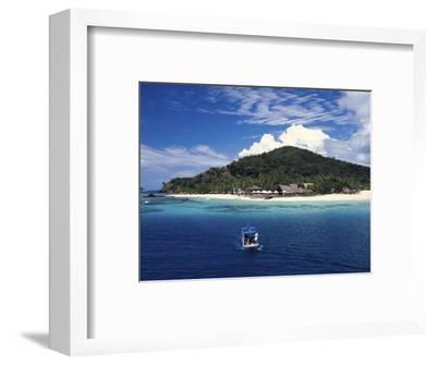 Castaway Island Resort, Mamanuca Islands, Fiji-David Wall-Framed Photographic Print
