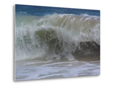 Huge Waves Break near the Shore, Hawaii-Stacy Gold-Metal Print