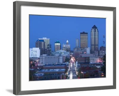 Skyline of Des Moines, Iowa, USA-Walter Bibikow-Framed Photographic Print