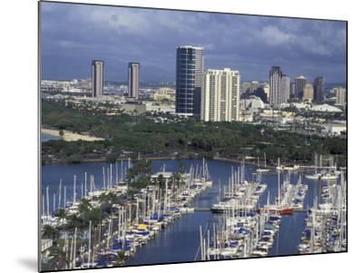 City Skyline and Beach, Honolulu, Oahu, Hawaii-Randa Bishop-Mounted Photographic Print