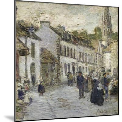 Street in Pont Aven in Evening-Childe Hassam-Mounted Giclee Print