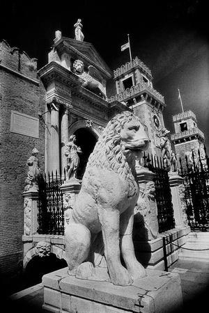 Lions Outside Tne Gates of the Arsenale-Simon Marsden-Stretched Canvas Print