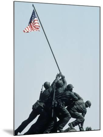 Iwo Jima Statue, Washington DC-Chris Minerva-Mounted Photographic Print