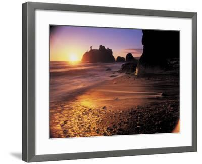 Ruby Beach at Sunset-Peter Adams-Framed Photographic Print