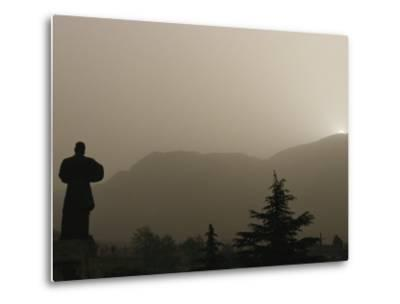 Silhouetted Statue of Damo at the Entrance to Shaolin-xPacifica-Metal Print