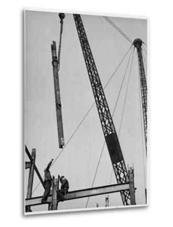 Construction Workers on a Gridiron in Red Lion Square, London, England, Early 20th Century--Metal Print