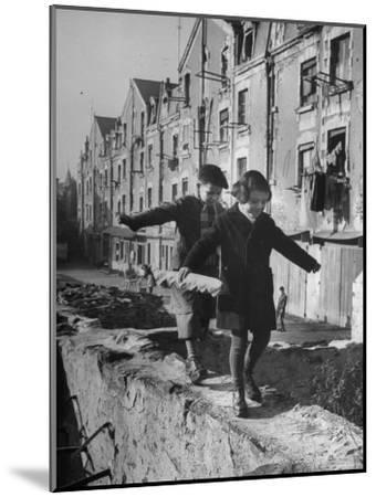 Children Playing-Nat Farbman-Mounted Photographic Print