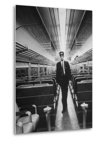 Commuters on the New Haven Line-Alfred Eisenstaedt-Metal Print