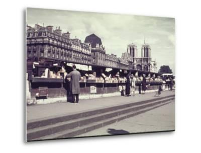 People Shopping at Book and Print Stalls Along the Seine River-William Vandivert-Metal Print