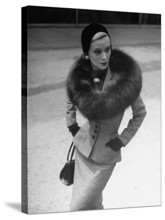 Model Wearing Tweed Suit, Fox Circle and Brooch-Nina Leen-Stretched Canvas Print