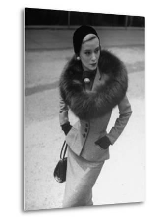 Model Wearing Tweed Suit, Fox Circle and Brooch-Nina Leen-Metal Print
